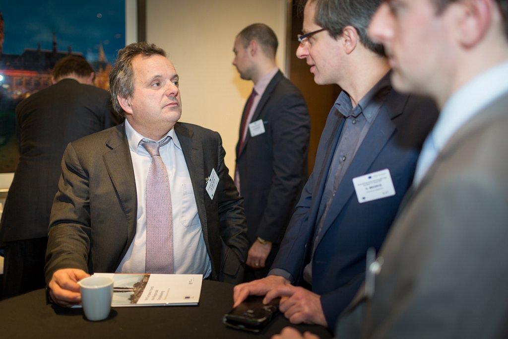 Ruud van Raak and event participants